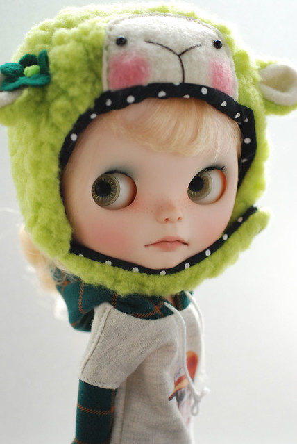 Blythe animal hat with fur chin strap - lime green sheep