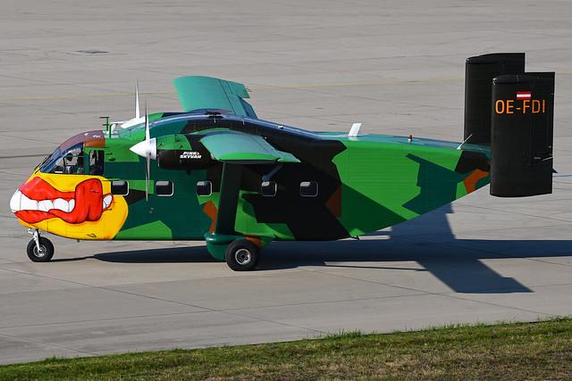 Short SC-7 Skyvan Pink Aviation Services OE-FDI