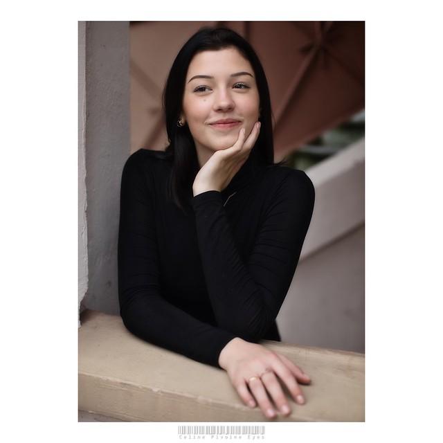 Le sourire de Gwenn  . . . #etudiantip #artmajeur #photographe #photo #creativeentrepreneur #destinationphotographer #photographer #femmephotographe #artistsupportpledge #prodiart #sourire #Gwenn #ado #fille #femme #gremlins #portrait