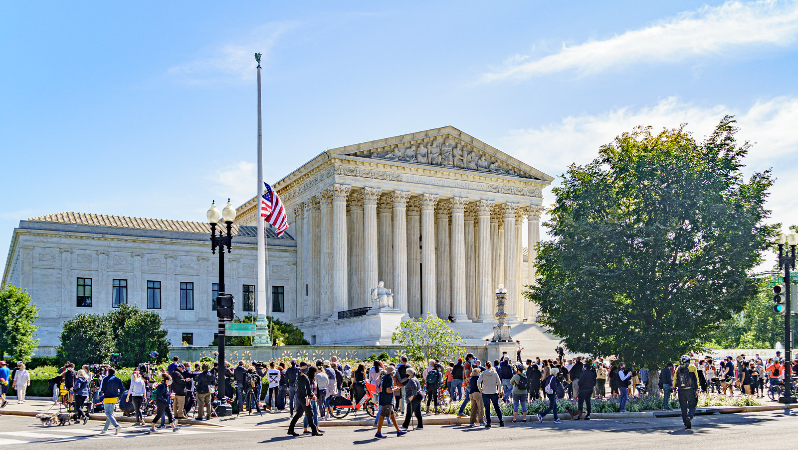 2020.09.19 Grieving for Ruth Bader Ginsburg, Washington, DC USA263 66233