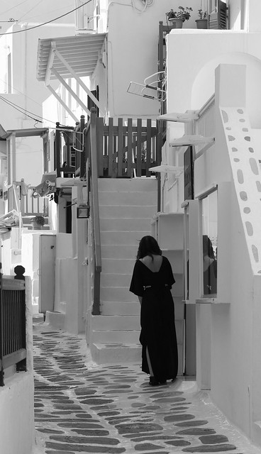 20160522_8708 street on Mykonos