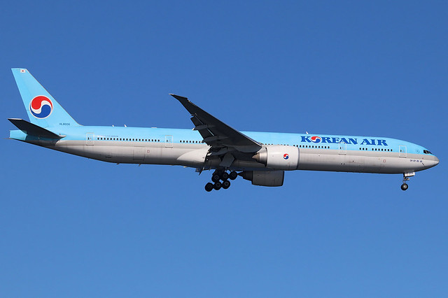 HL8006 | Boeing 777-3B5ER | Korean Air