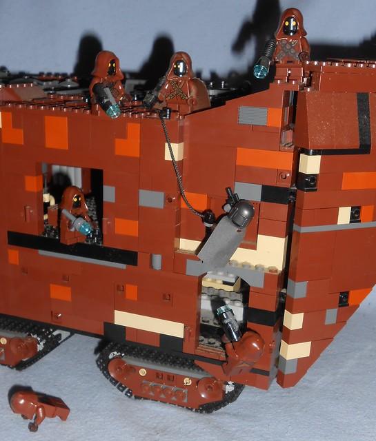 Lego - Mandalorian Attacks Jawas