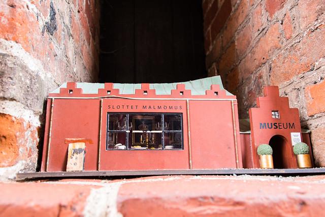 Trapped in a miniature castle (explore)