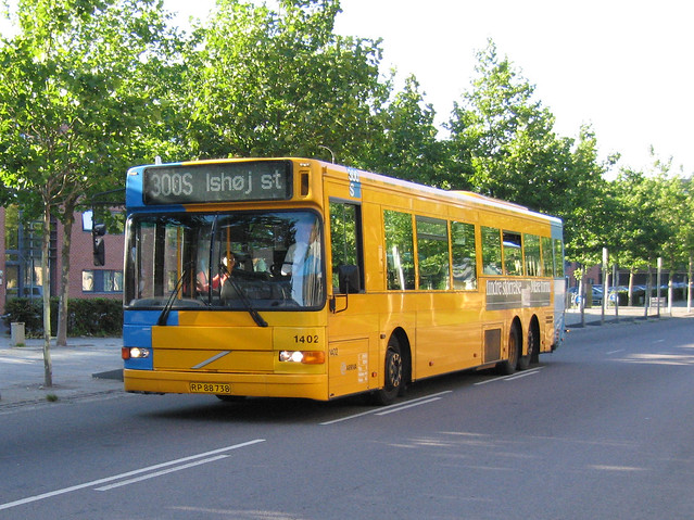 Arriva (1402), Volvo B10BLE-N63 / Aabenraa system 2000NL, year 2000