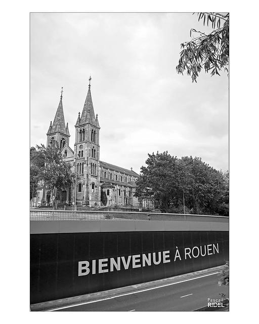 Bienvenue à #Rouen Saint-Paul #igersrouen #rouentourisme #church #oldcity #blackandwhite #bnw #nikon #noiretblanc #n&b #architecture