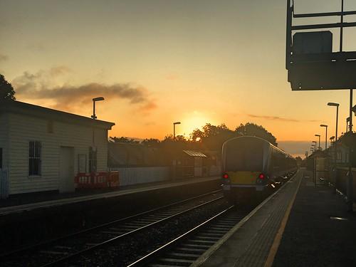 ni northern ireland ulster irish railways railway train translink nir caf railcar dmu class c4k 4000 moira station halt 4020 sunrise w4nir19