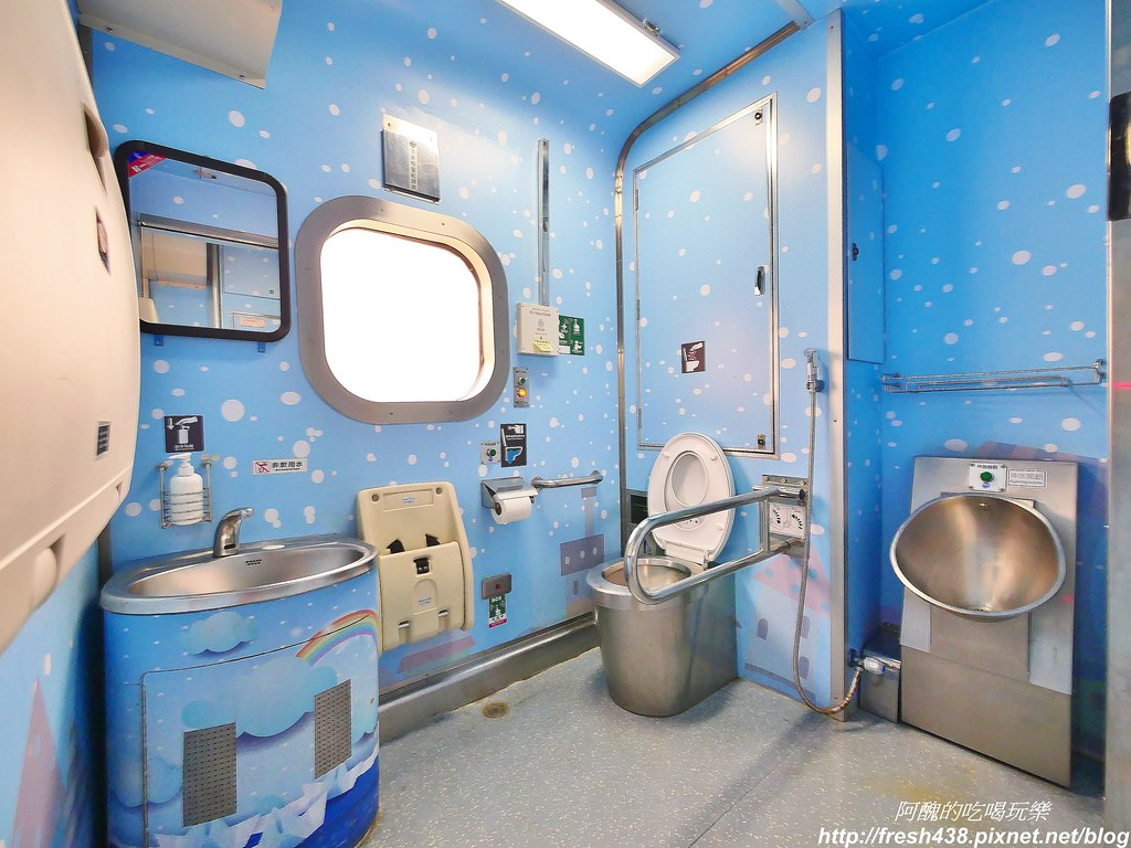 18(親子廁所在12-11車這邊)