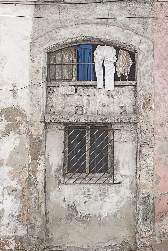 Window & Laundry