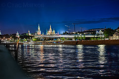 View on The Kremlin and bridge of Zaryadye park  (由  stasmyagkov