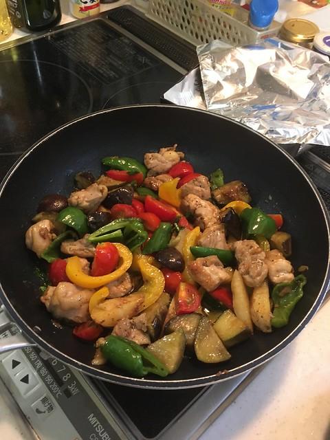 鶏と夏野菜のグリルWithトマトとバジル!