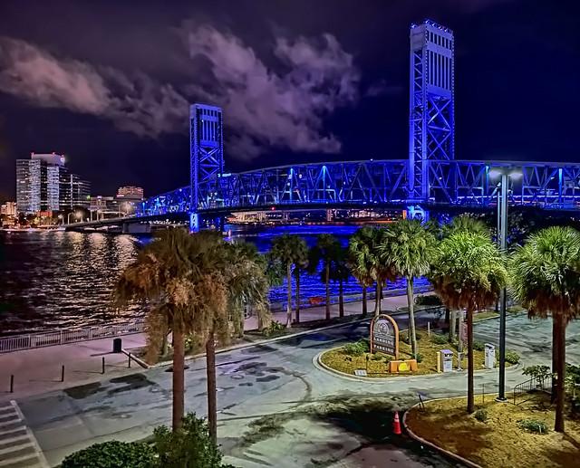 John T. Alsop Jr. Bridge ( Main Street Bridge), Jacksonville, Florida, USA / Design: Steel Vertical Lift Bridge / Opened: 1941 / Total Length: 1,680 ft / Width: 58 ft / Clearance Above: 16 ft / Carries: 4 traffic lances of  US 1 / US 90 & 2 sidewalks