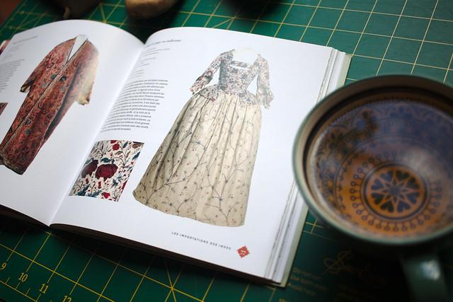 Catalogue d'exposition l Etoffe de ma Garde-Robe
