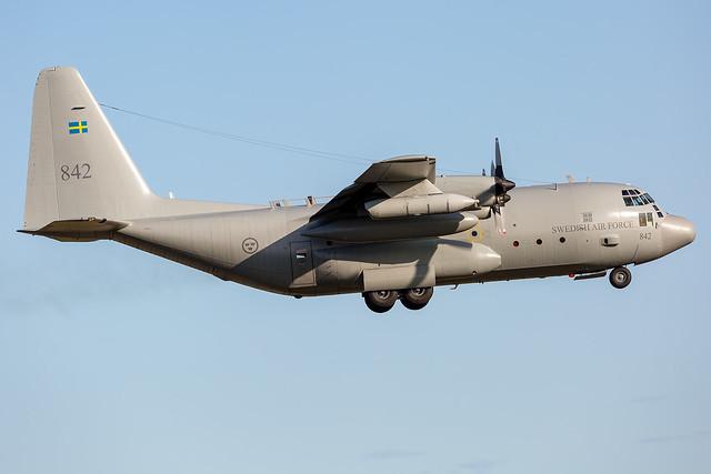 84002 / 842 Lockheed Tp84 Hercules (C-130H/L-382) Swedish Air Force