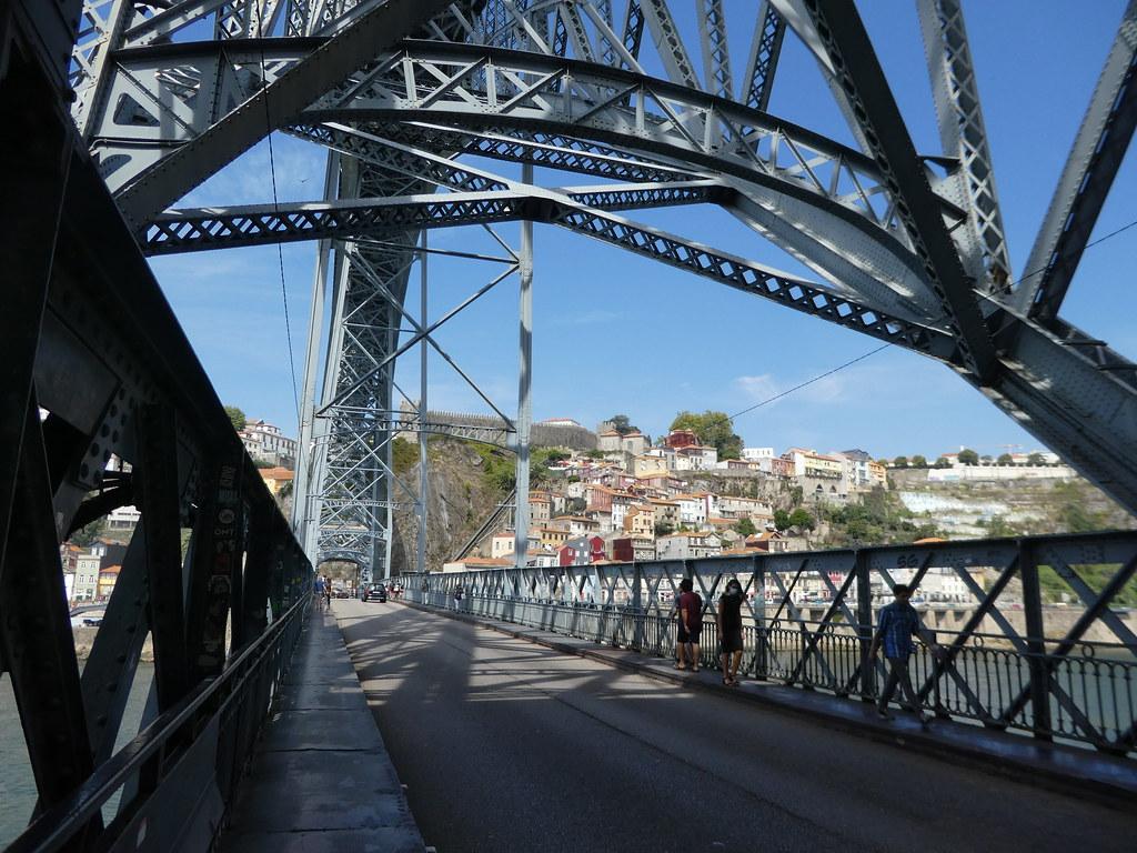 Lower pedestrian walkway, Luis I Bridge, Porto