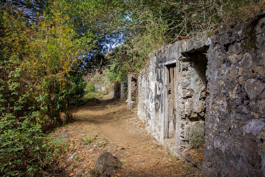 Caserío abandonado de Cuevas Negras