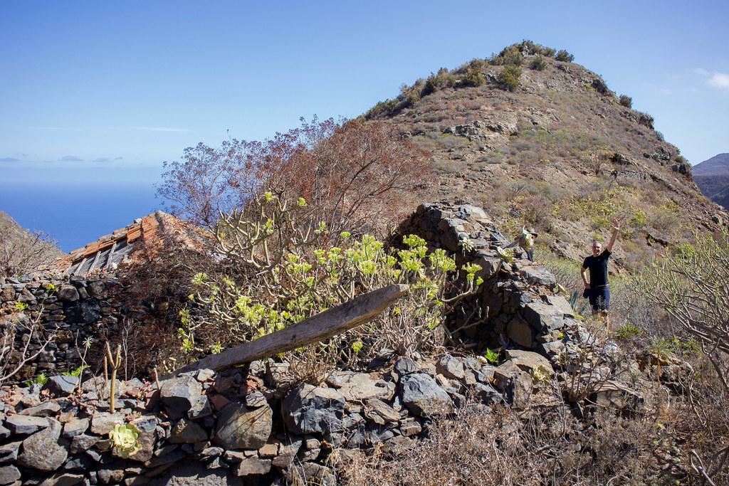 Las Moradas Bajas de camino al Monte del Agua