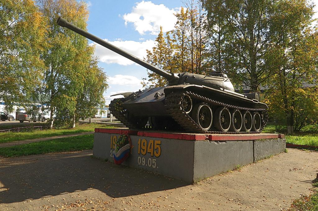 Танк Т-54 в Даровском 1