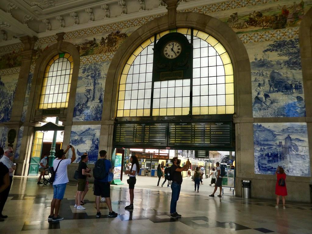Concourse, Sao Bento Railway Station, Porto