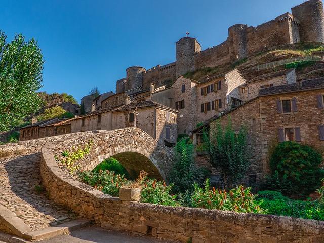 Brousse le château (Aveyron)