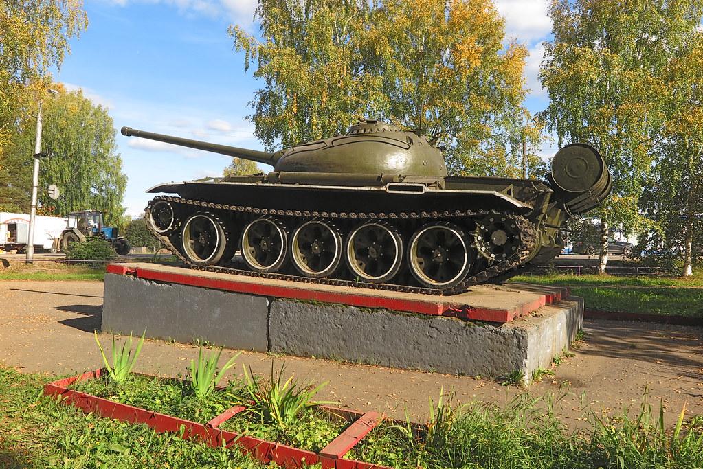 Танк Т-54 в Даровском 2