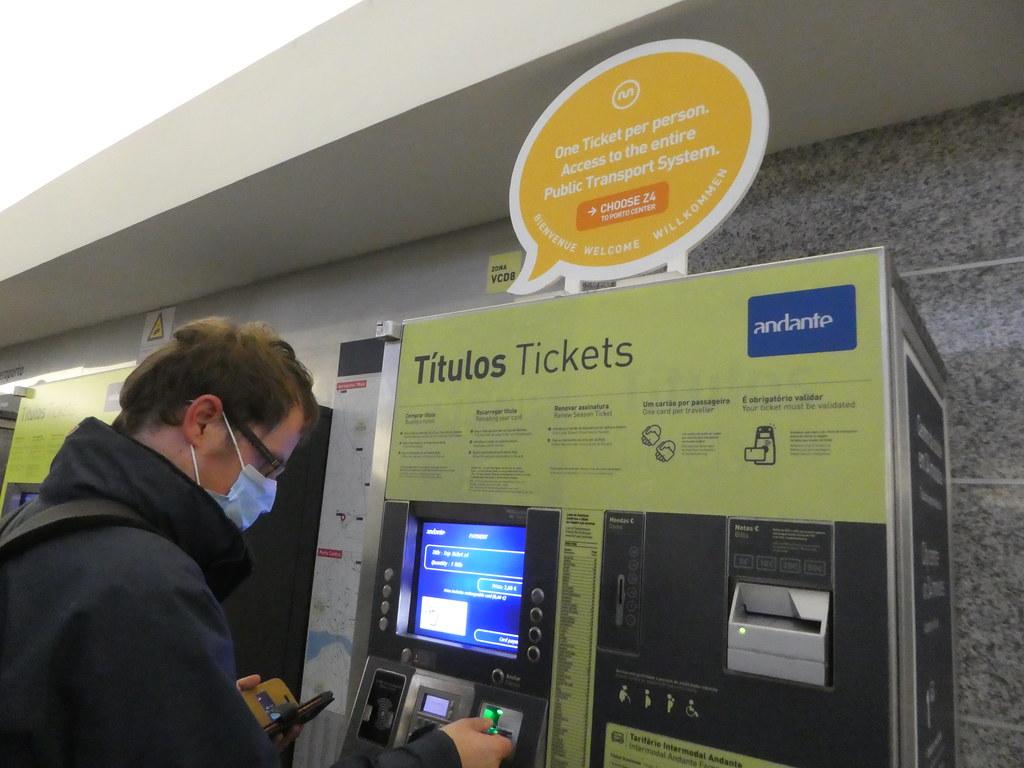 Porto Metro ticket machine