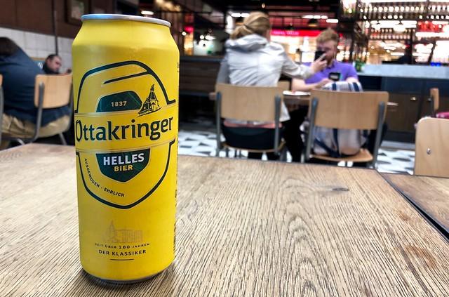 Een laatste Ottakringer / Vienna Airport / Wenen