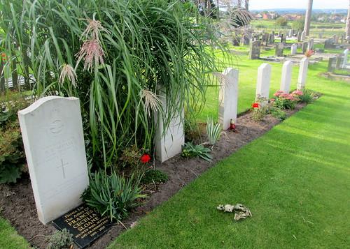 More Post-War Graves, Hawarden