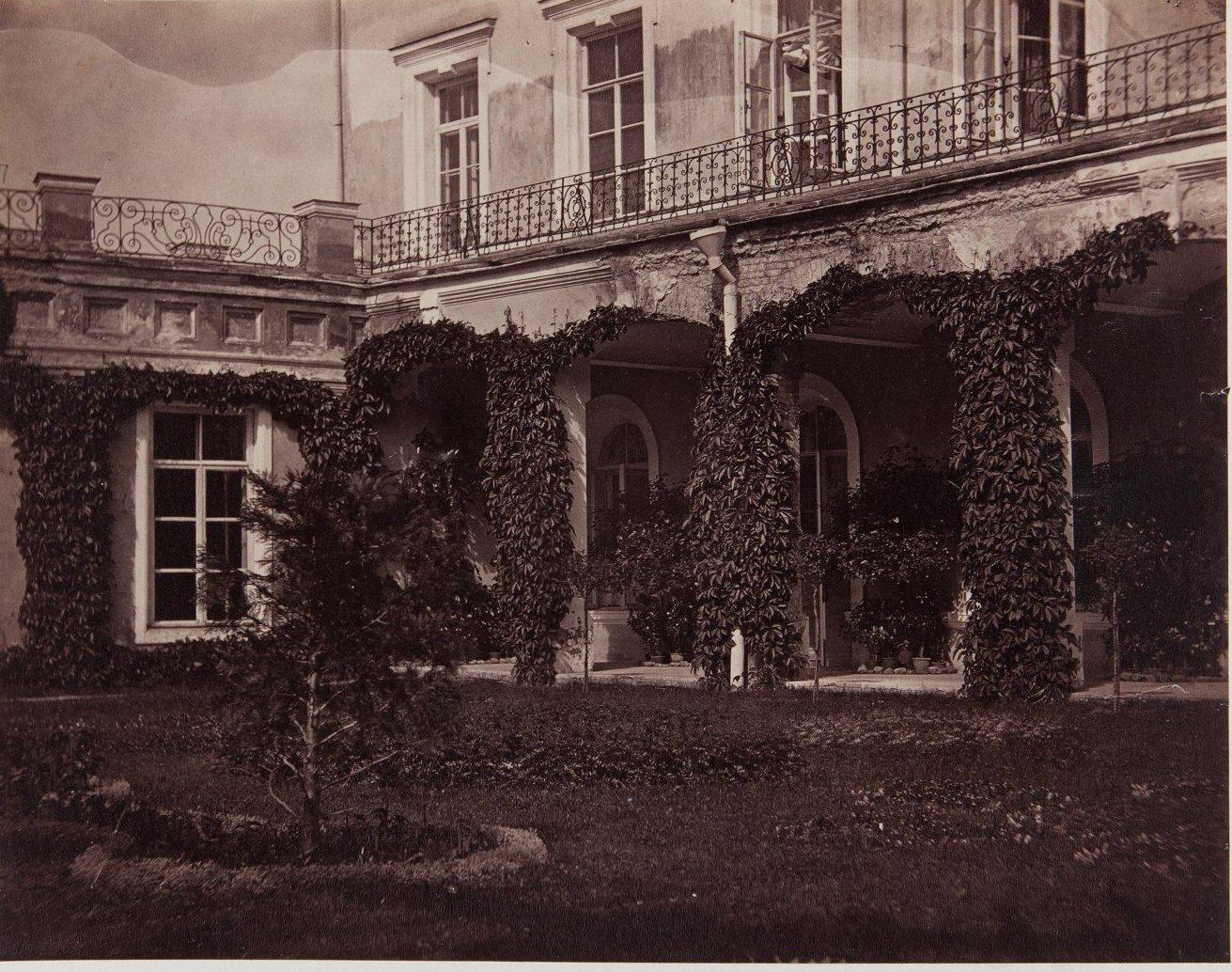 07. Вид Итальянского дворика