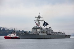 EVERETT, Wash. (Sept. 21, 2020) Guided-missile destroyer USS Kidd (DDG 100) pulls into its homeport of Naval Station Everett (NSE). USS Kidd is returning following the ship's deployment to the U.S. 4th Fleet area of operations. (U.S. Navy photo by Mass Communication Specialist 3rd Class Ethan Soto/Released)