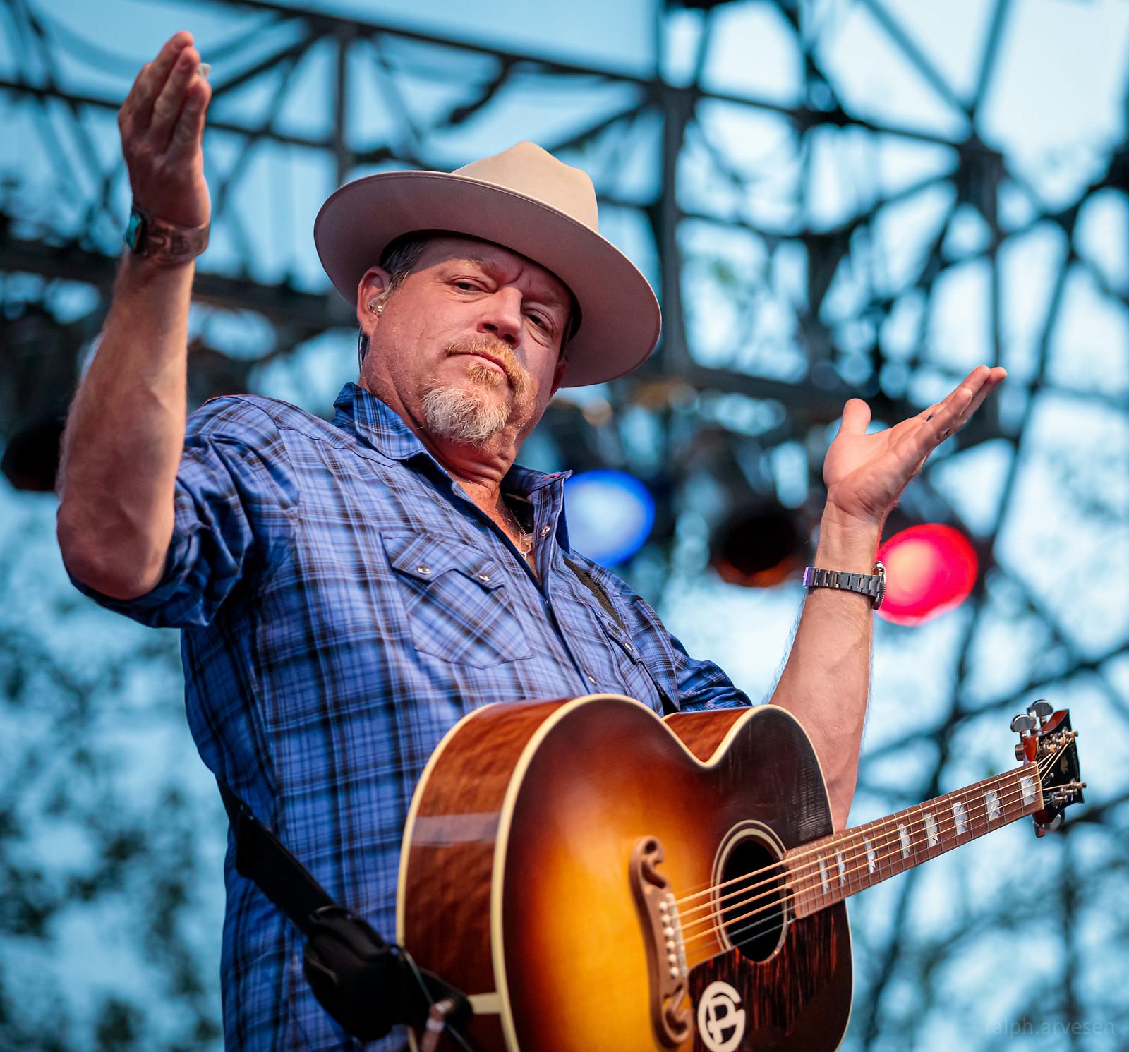 Pat Green | Texas Review | Ralph Arvesen