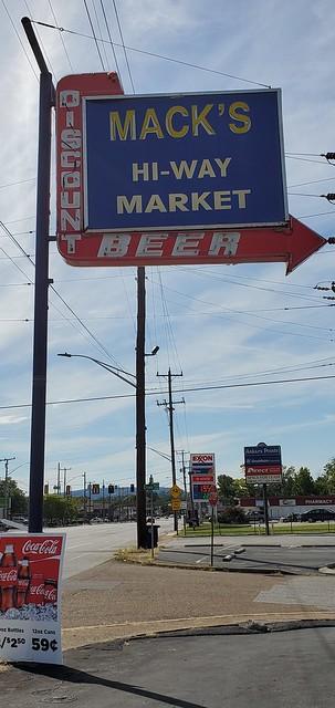Mack's Hi-Way Market