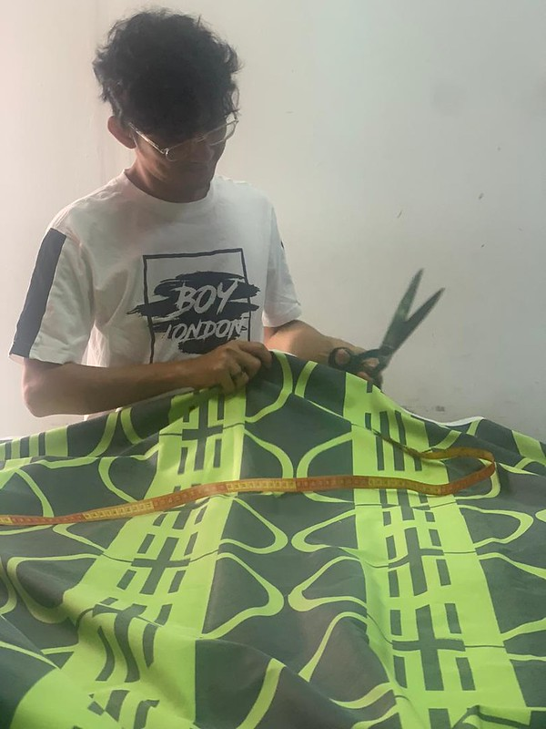 HATTA DOLMAT WITH HIS RECYCLED FABRIC MATERIAL(1)