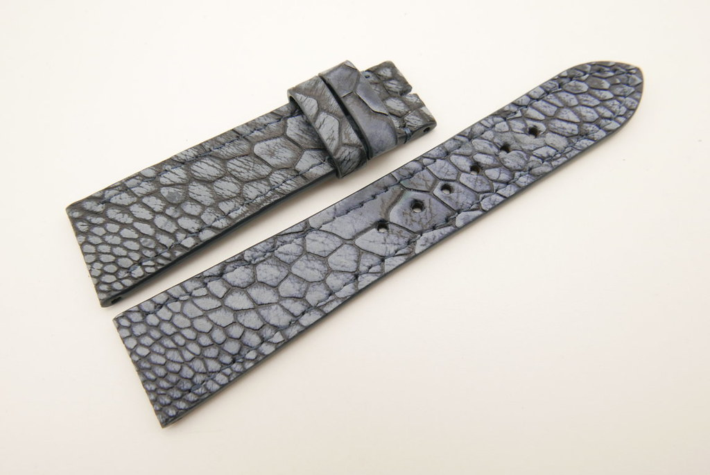 P1690375 (FILEminimizer)   by Ziczac Leather
