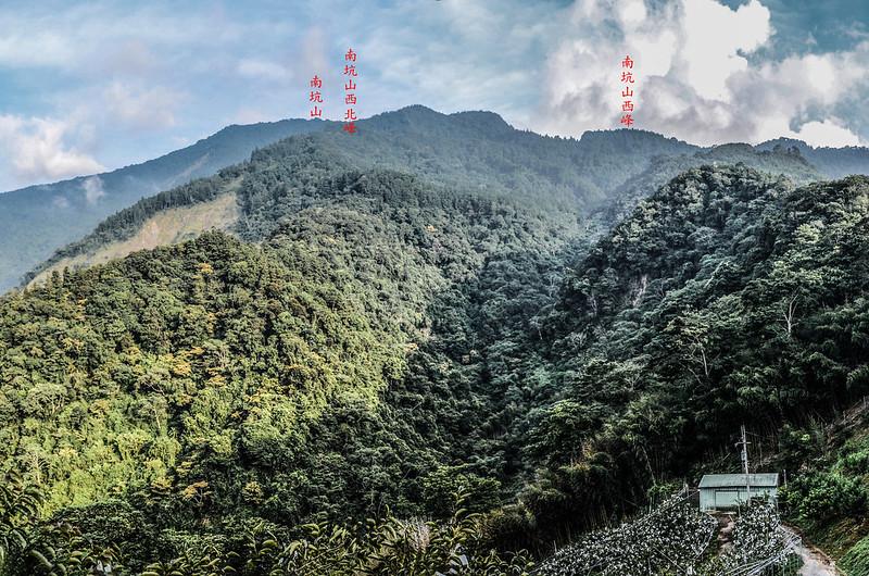 大安山東南仰望南坑山群峰 2-1