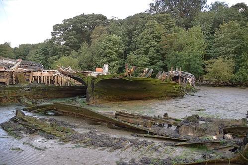suffolk rurallandscape riverside tidal eastanglia riverorwell abandoned derelict rotting coastal decay woodland trees
