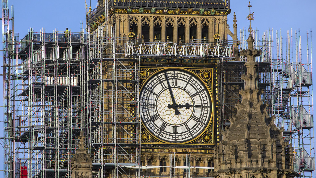 The restoration of the Houses of Parliament: a major government project