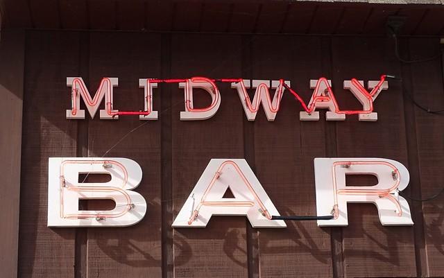MI, Ironwood-U.S. 2(Old) Midway Bar Side Neon Sign
