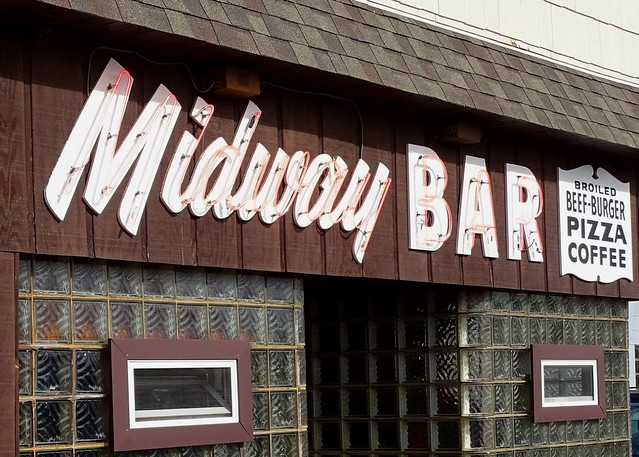 MI, Ironwood-U.S. 2(Old) Midway Bar Neon Sign