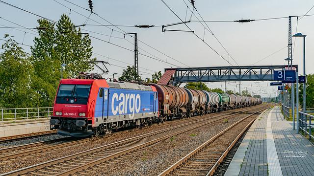 SBBCargo 482 040-3 mit einem Kesselzug am 12.09.2020 in Saarmund