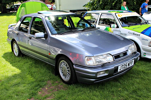 159 Ford Sapphire RS Cosworth (1991) J 725 WFF
