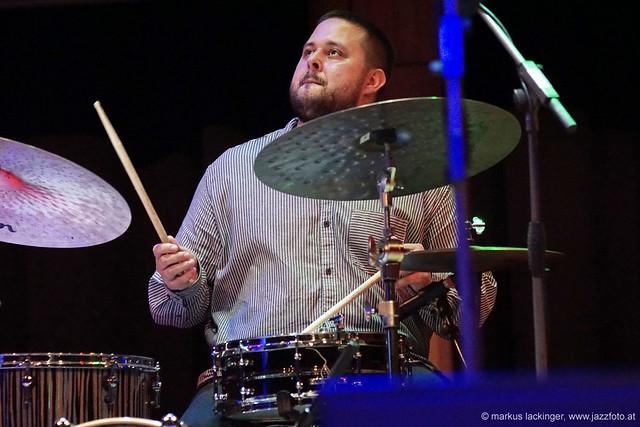 Oliver Lipensky: drums