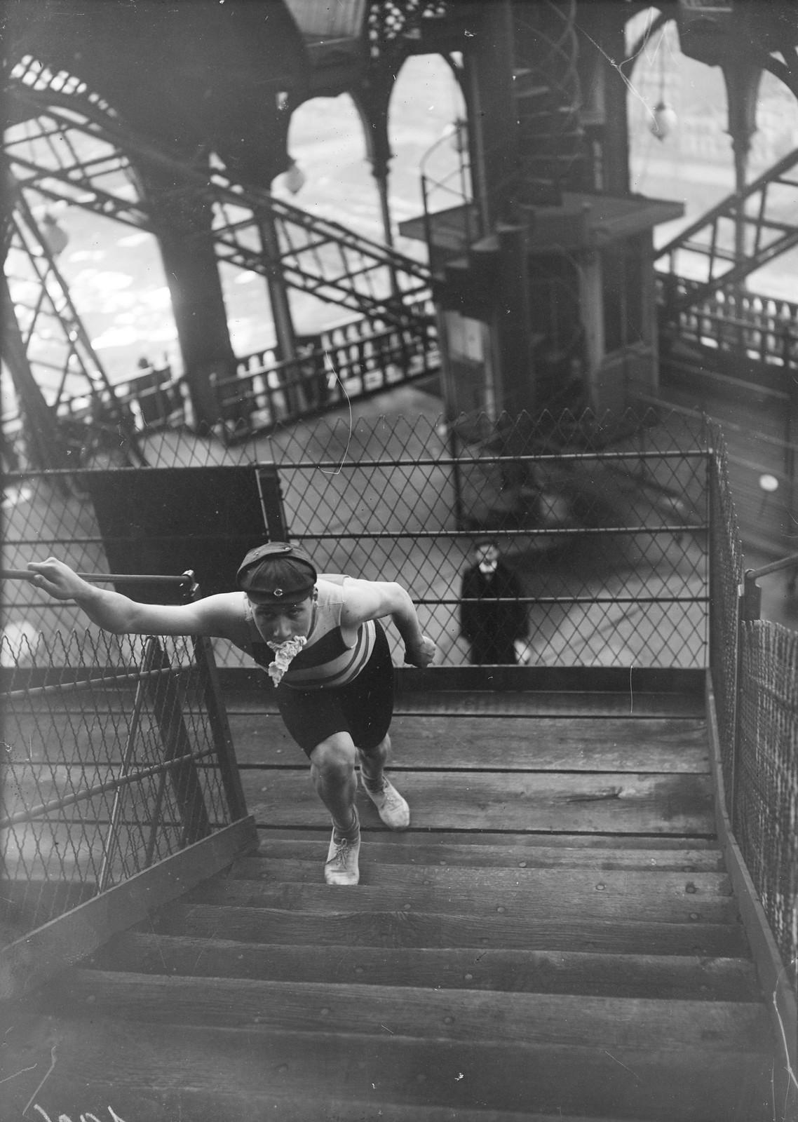 1906. Чемпионат по лестнице на Эйфелевой башне, 18 ноября