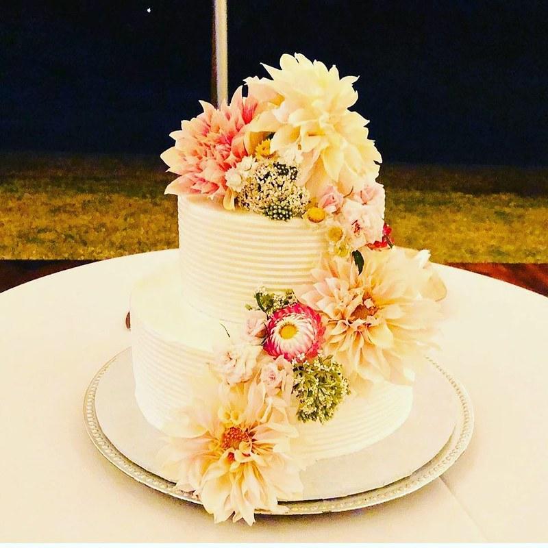Cake by Maui Wedding Cakes, Inc.