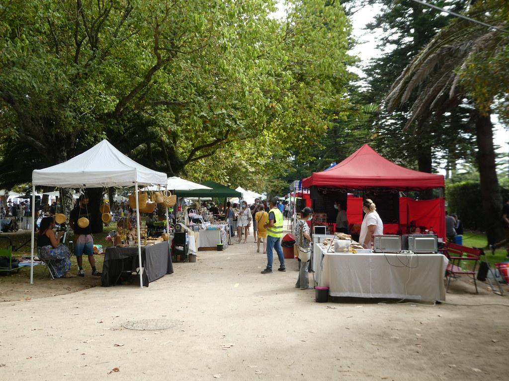 Sunday market in the Jardim da Foz, Porto