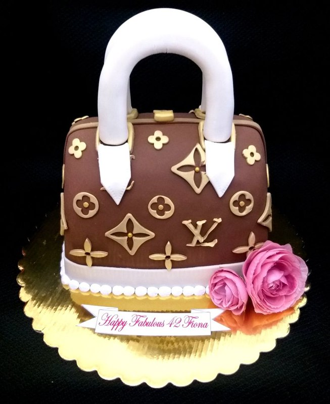 Cake by Sweet Fantasy Cakes 702