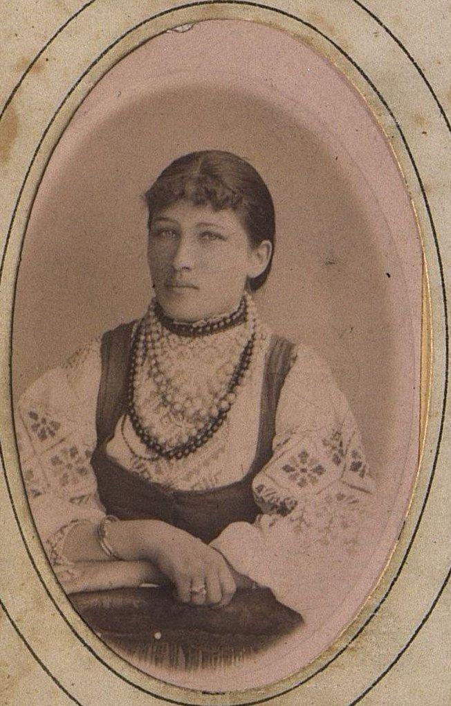 Попова (Оленникова) Надежда Михайловна