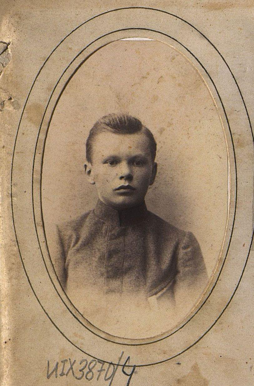 Попов Фёдор Иванович в детском возрасте