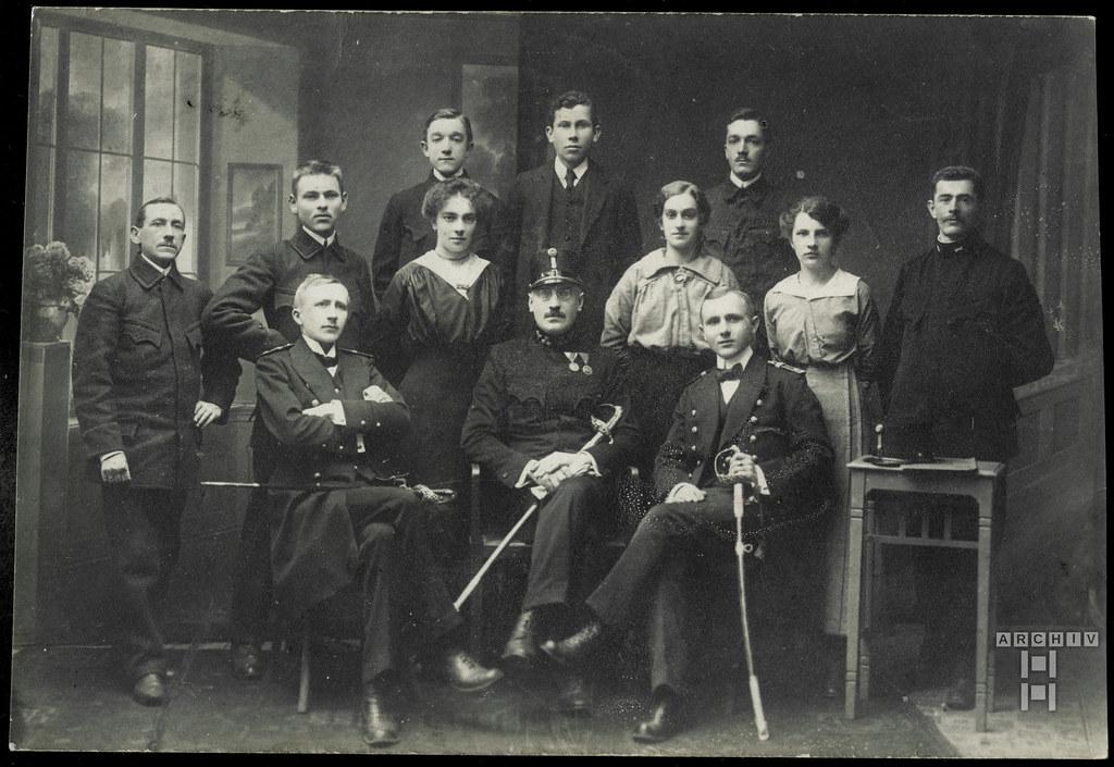 ArchivTappenY465 Angestellte des Postamtes in Freistadt (front), 1916