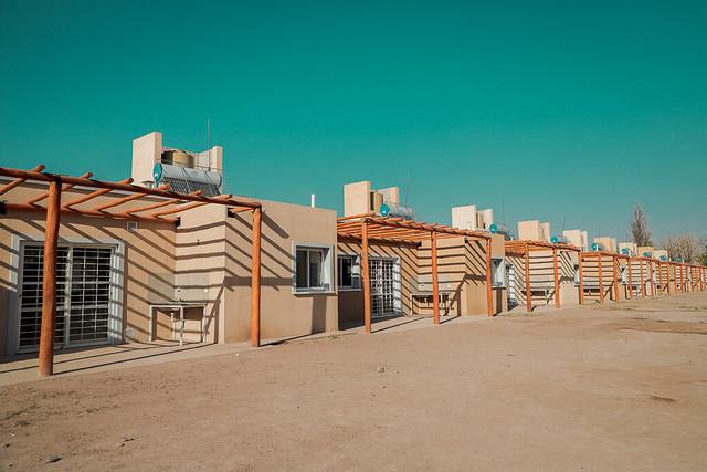 2020-09-22 PRENSA: El gobernador Uñac entregó viviendas a 22 familias de 9 de Julio